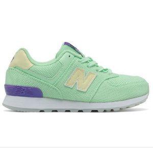 New Balance 574 NWB Never Worn GS sz6